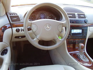 Mercedes-Benz E 270 CDI Elegance - Panorama roof V6 CDI 120kW ...
