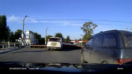 VIDEO: Üks viis avariide vältimiseks ülesõidukohtadel
