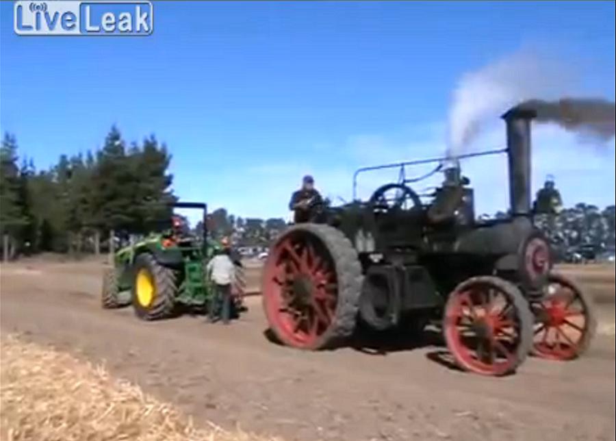 VIDEO: Traktor vs iseliikuv aurumasin