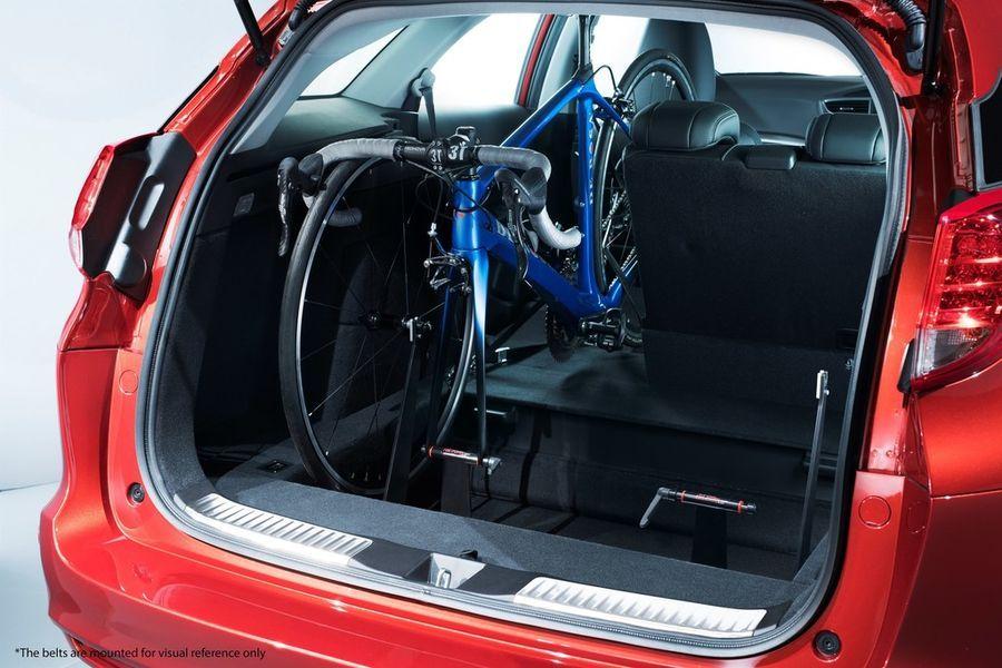 Honda Civic Tourer saab pagasiruumi jalgrattahoidja