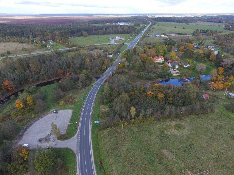 Sauga vallas alustati 2+1 tee ja uue silla ehitusega