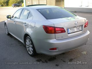 Lexus IS 220 2.2 130kW