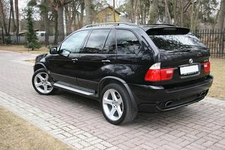 BMW X5 4.6 is V8 255kW - auto24.ee