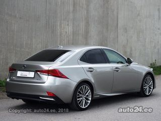 Lexus IS 300h Luxury 2.5 133kW