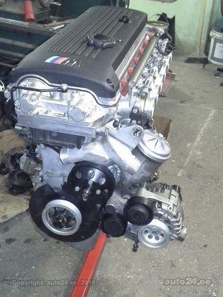 BMW M3 3.2 R6