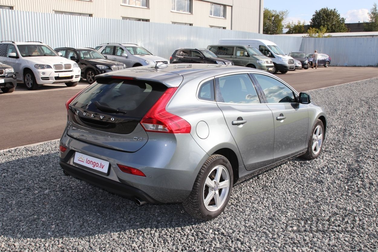 Volvo V40 Business 2.0 140kW