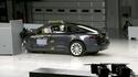 Tesla Model S põrus väikese ülekattega avariitestis