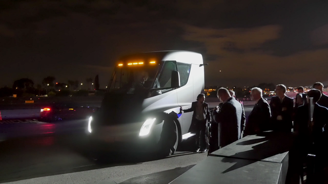 Tesla Semi. Kaader: Youtube