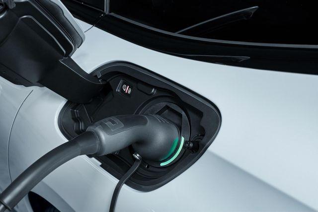 Peugeot uued pistikhübriidid. Foto: Peugeot