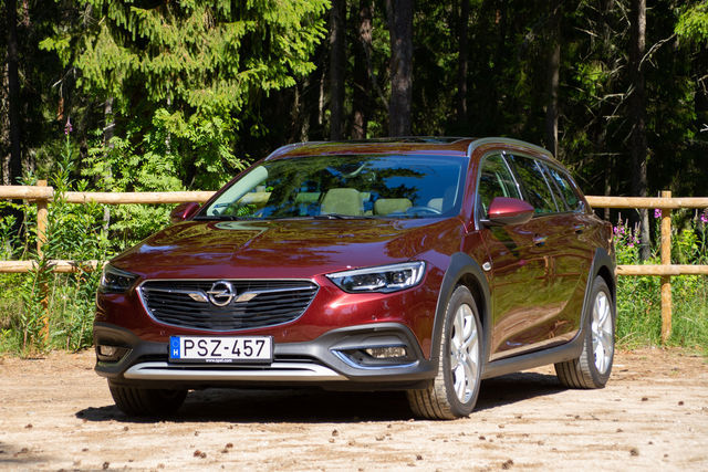Opel Insignia Country Tourer 2018. Foto: Laas Valkonen