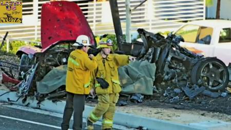 Walkeri ja Rodase Porsche pärast avariid. Kaader: Youtube