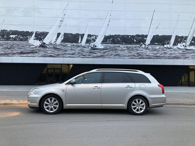 Tänu uutele tagavedrudele on auto tagaosa nüüd taas  normaalsel kõrgusel. Foto: Maris Treufeldt