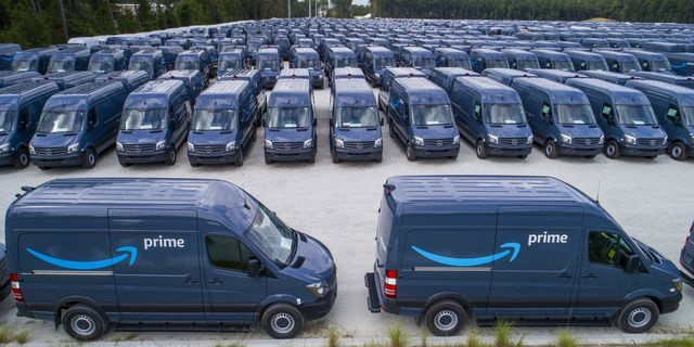 Amazon ostis 20 000 Mercedes-Benz Sprinterit