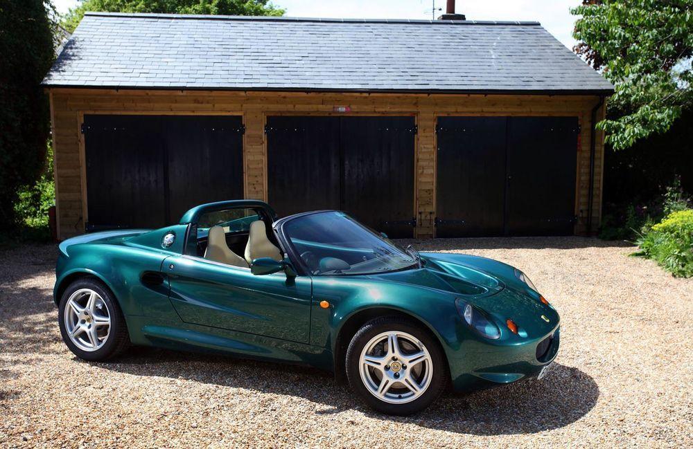 Lotus esitleb 2020. aastal kahte uut sportautot
