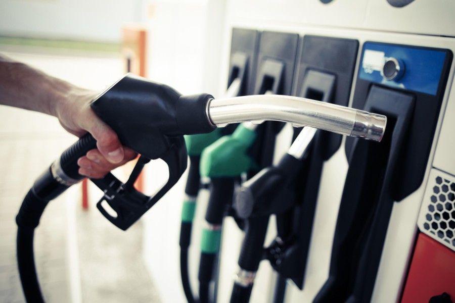 Euroopa Liidu soov vähendada transpordisektoris õhku paisatavaid heitgaasetoob alates 1. maist 2018 Eesti kõikidele kütusemüüjatele kohustuse müüabiokütuseid.