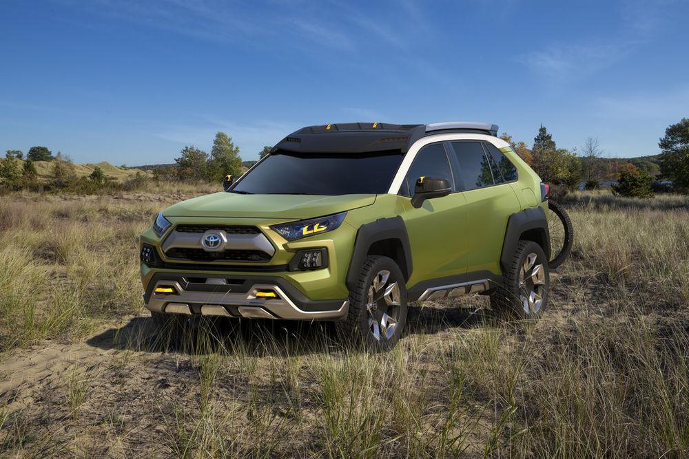 Toyota esitles uue noorusliku crossoveri prototüüpi