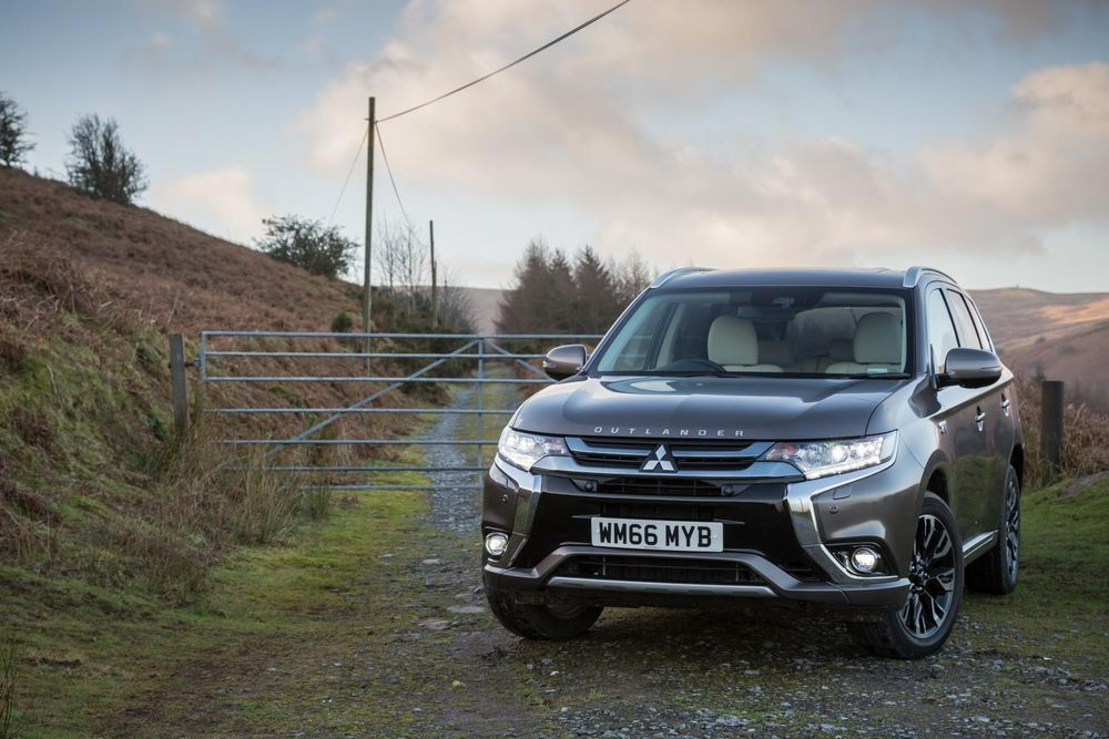 Järgmine Mitsubishi Outlander on Nissan Rogue/X-Traili poolvend