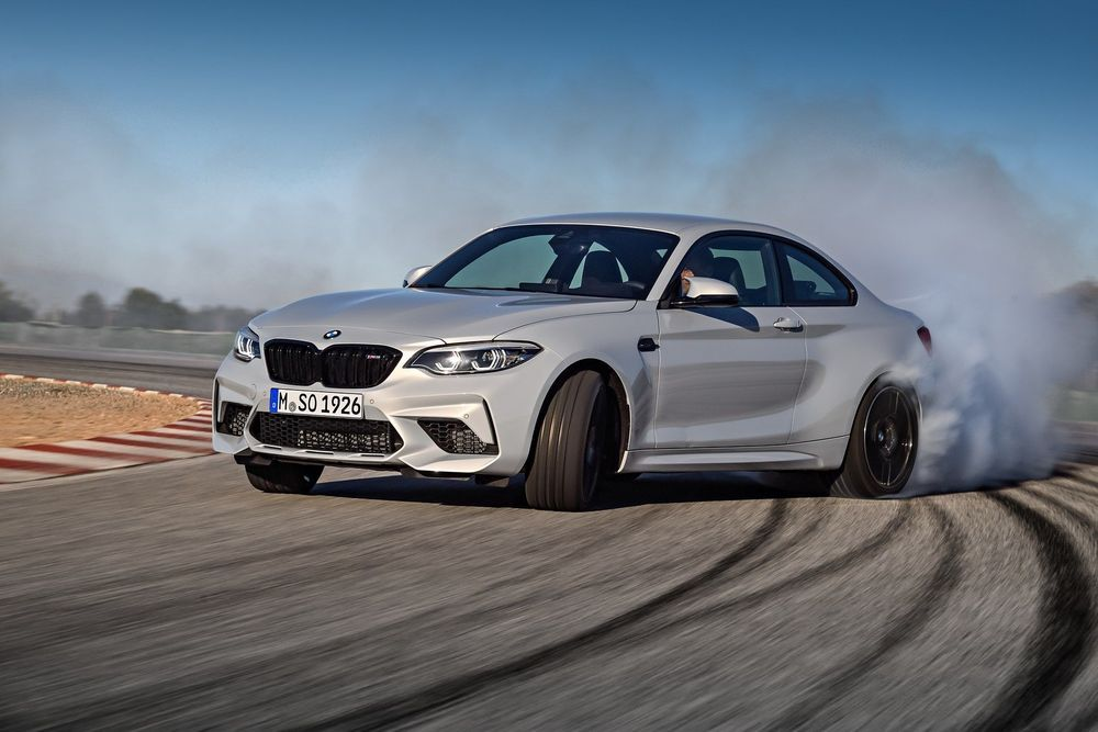 BMW esitles M2 Competitionit